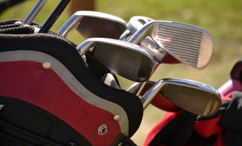 do golf clubs wear out