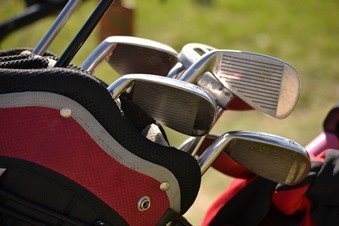do golf clubs wear out